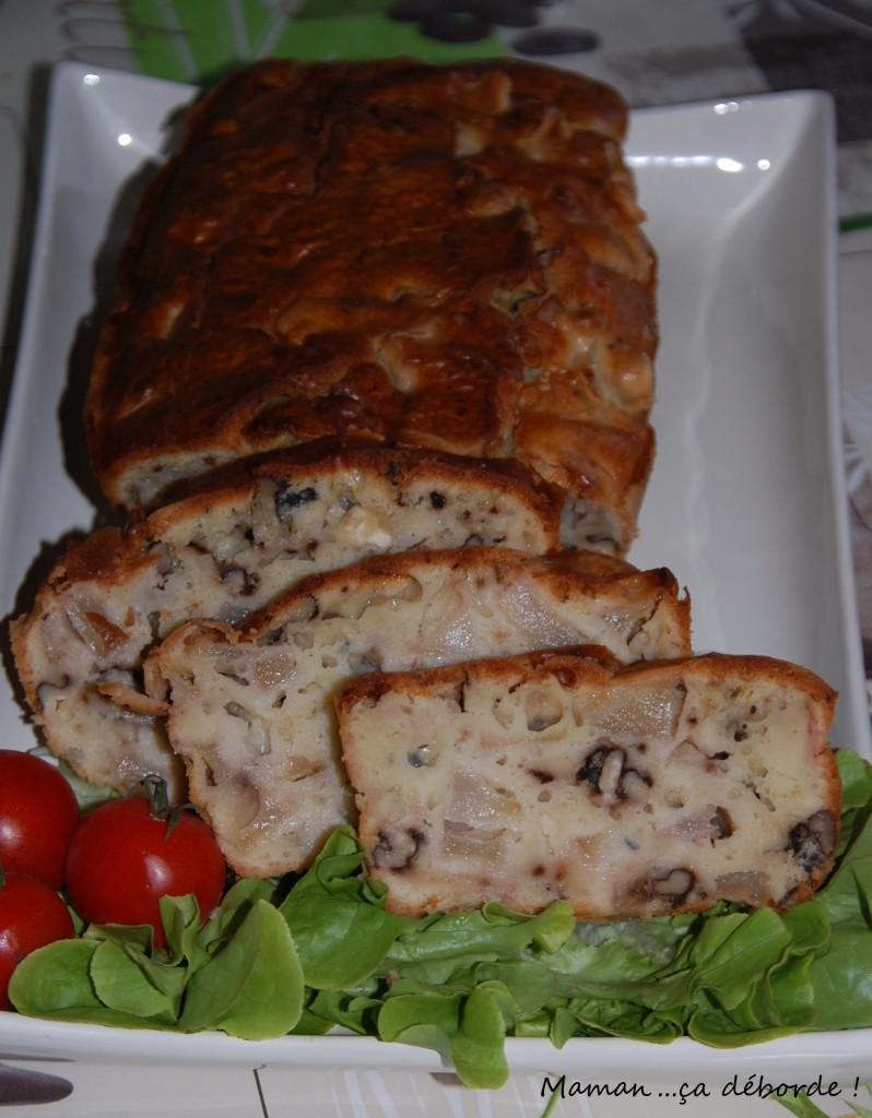 Cake poire, roquefort et noix