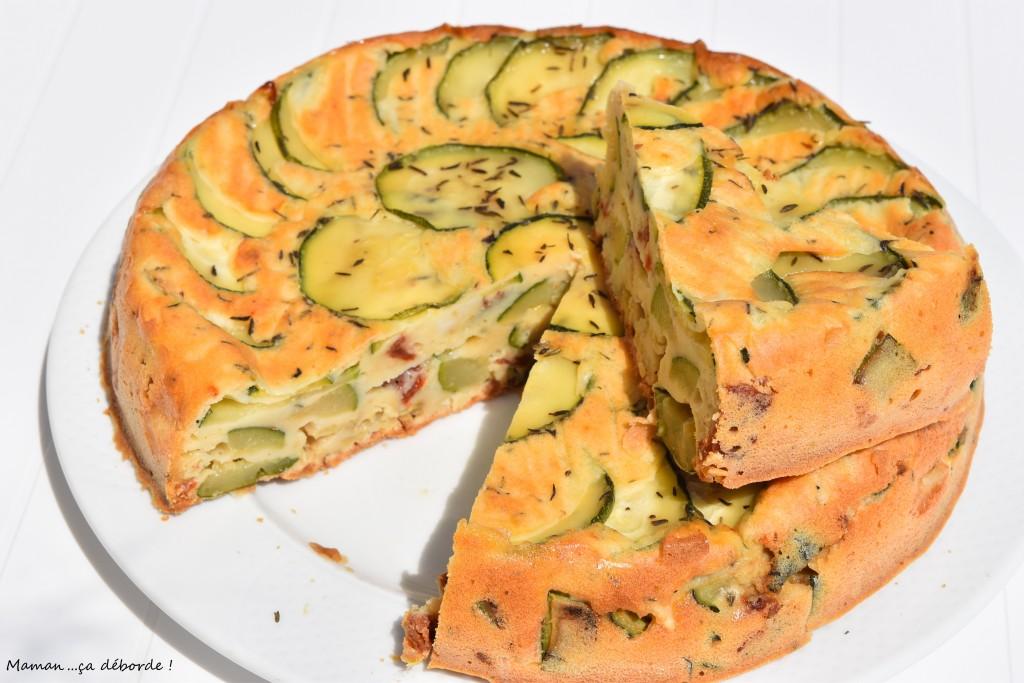 Gâteau renversé au yaourt et aux courgettes grillées