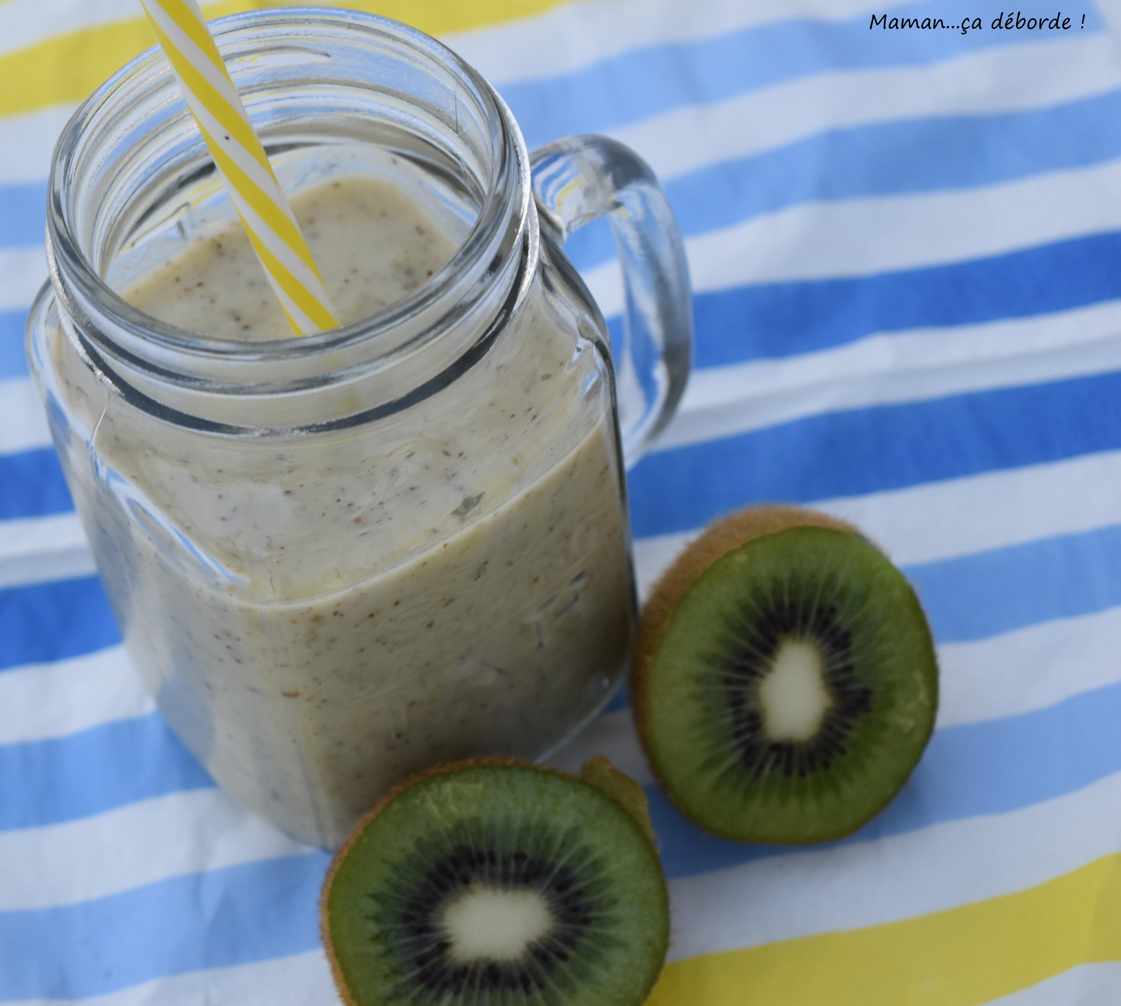 smoothie-kiwi-banane-au-lait-damande3