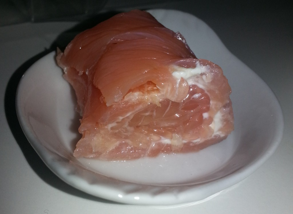 Roulés au saumon fumé, pamplemousse et fromage frais