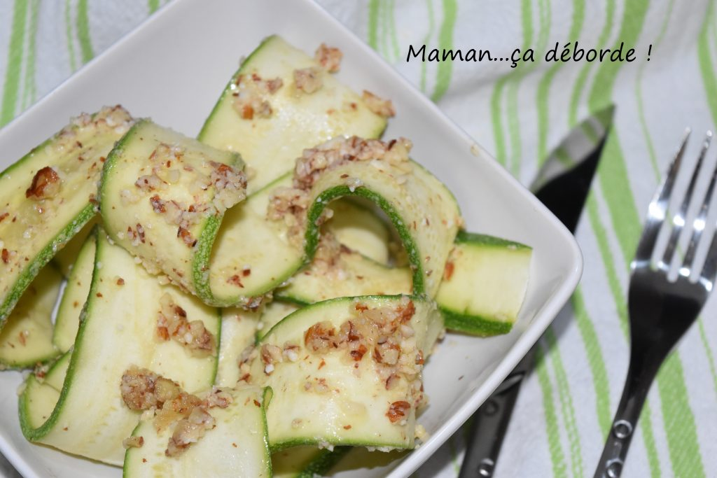 Courgettes crues au pesto d'amandes